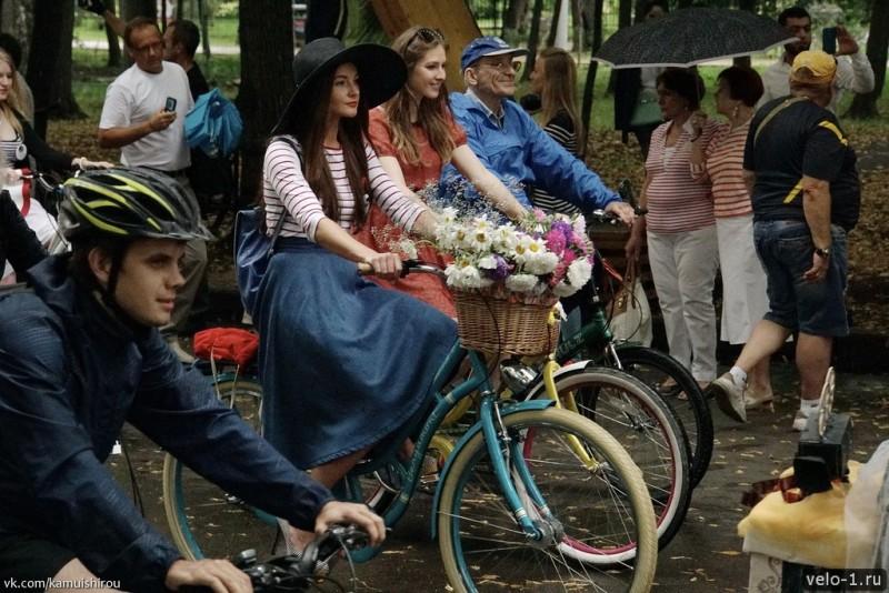 Леди на велосипеде00003
