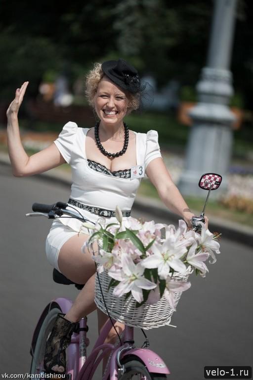 Леди на велосипеде00017