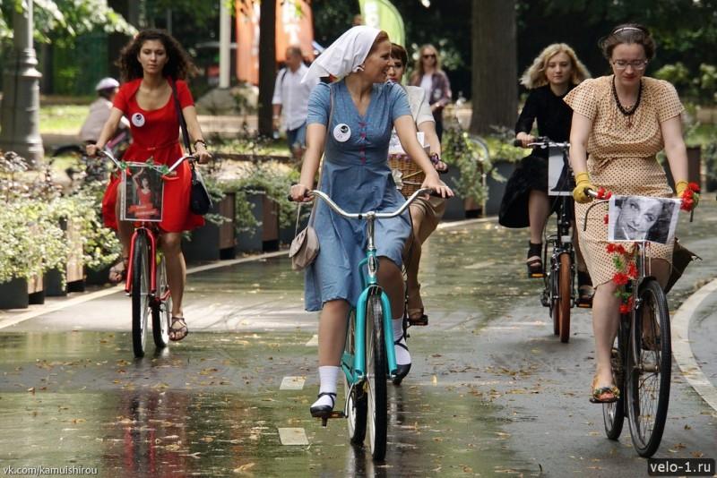 Леди на велосипеде00018