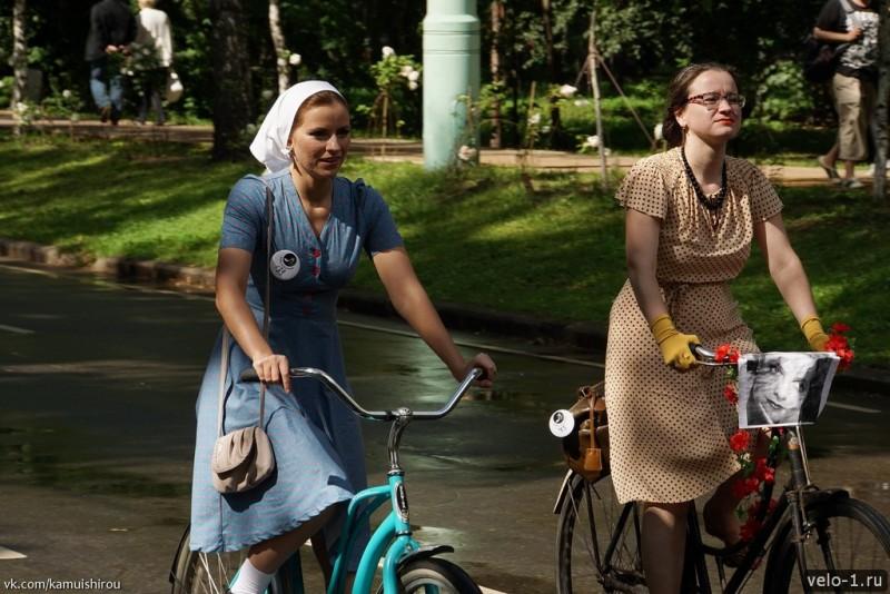 Леди на велосипеде00033