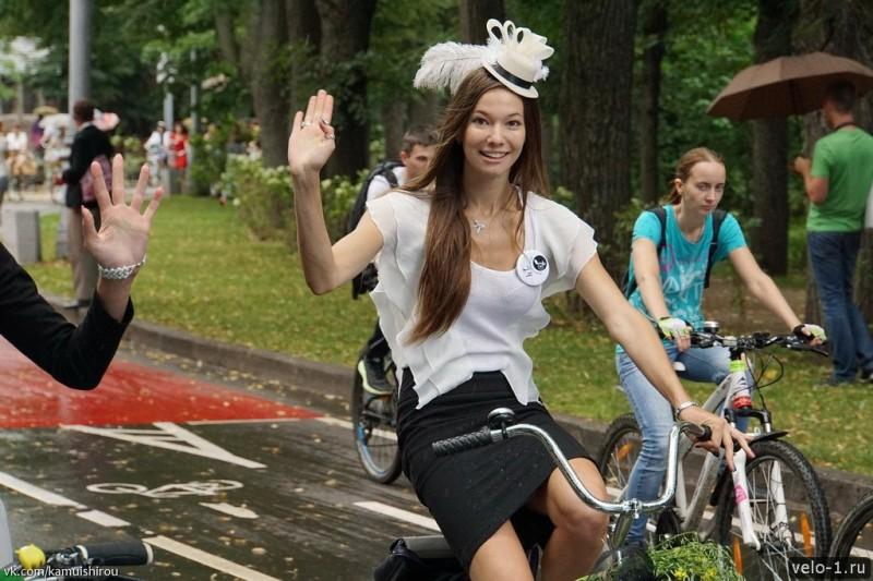 Леди на велосипеде00006