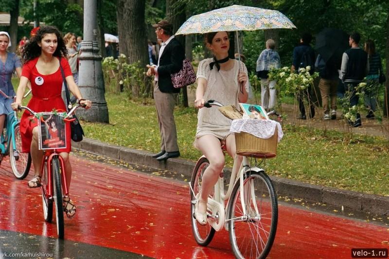 Леди на велосипеде00008