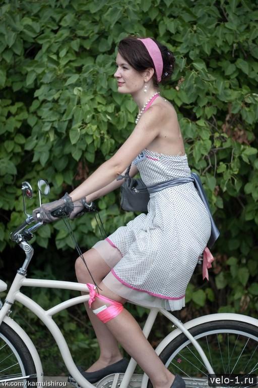 Леди на велосипеде00010