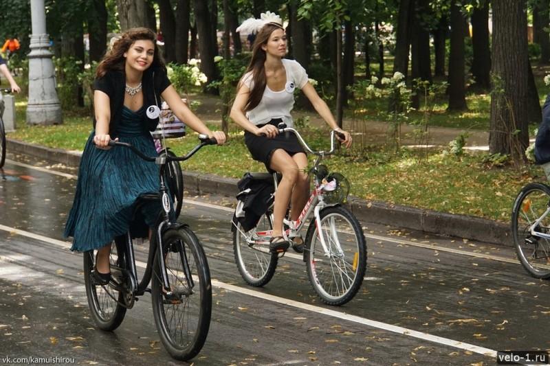Леди на велосипеде00014