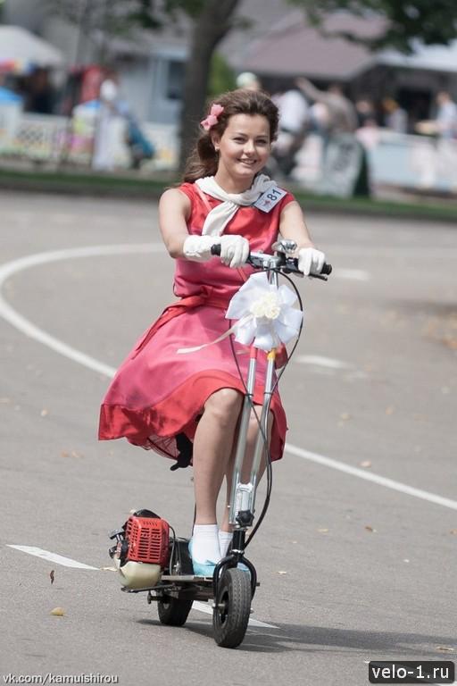 Леди на велосипеде00026