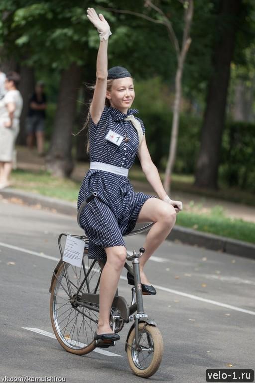 Леди на велосипеде00030