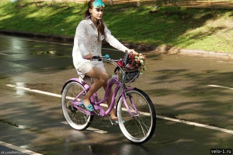 Леди на велосипеде00031