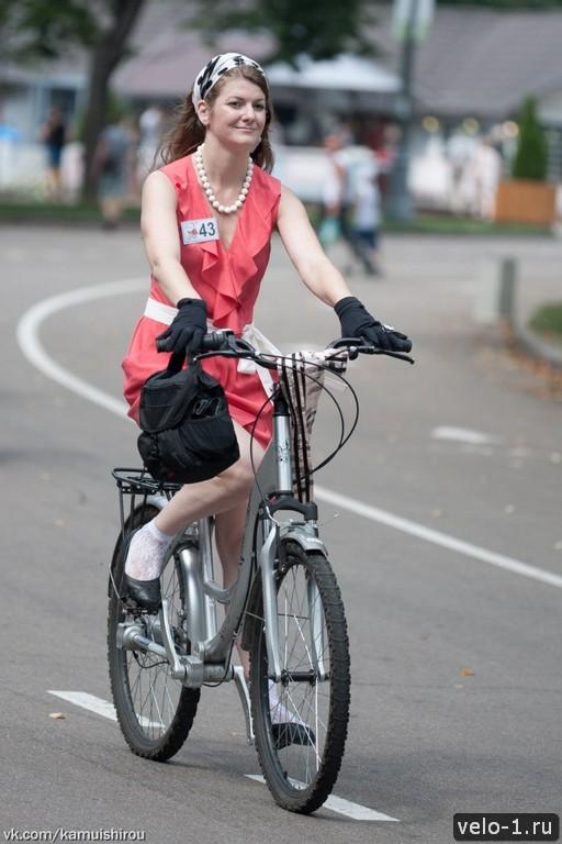 Леди на велосипеде00041