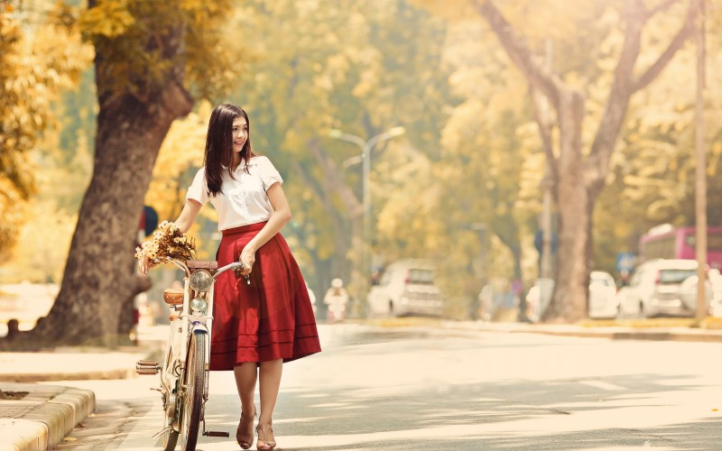 photo-vintage-bicycle-classic-red-dress-summer-street-autumn-wallpaper