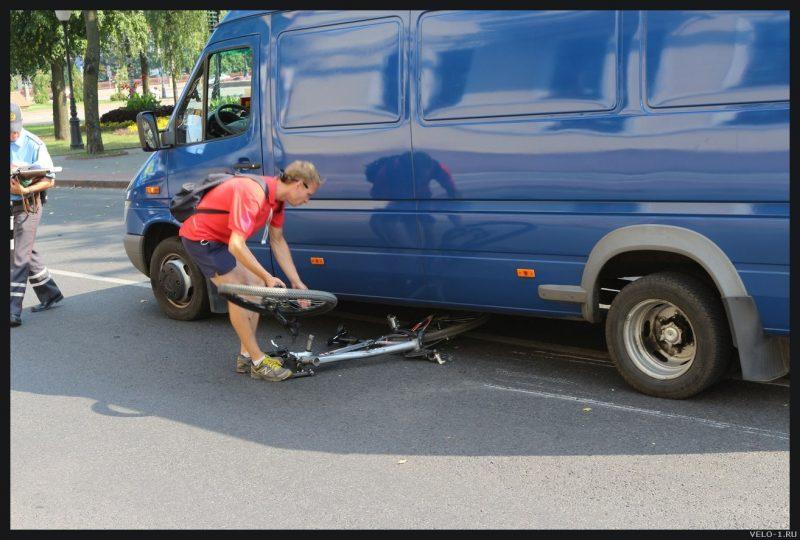 Как сбивают велосипедистов. ДТП велосипедистов (видео и текст)