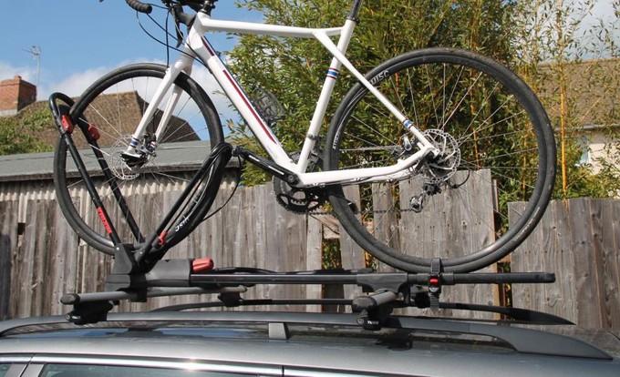 верхний багажник для перевозки велосипеда