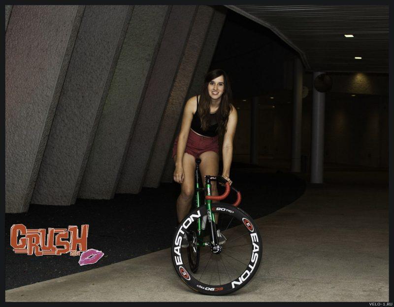 Симпатичные велосипедистки, 23 фото
