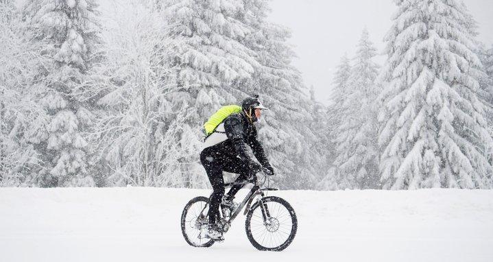 Что надеть в холодную погоду на велопрогулку?