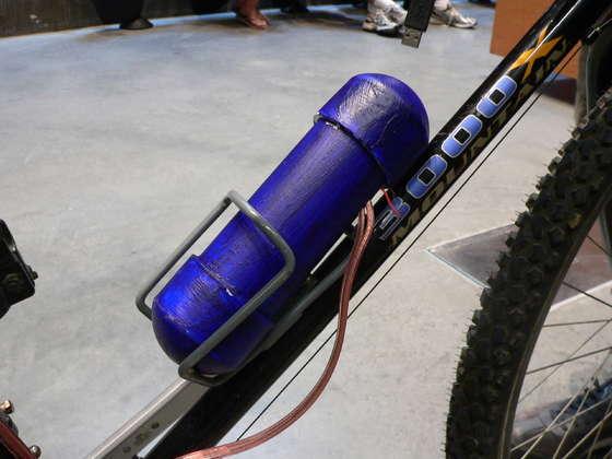 Заряжаем USB-устройство с помощью велосипеда